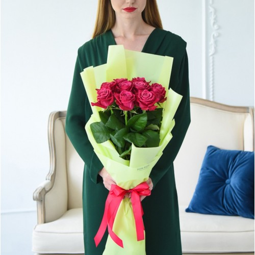 9 малиновых роз