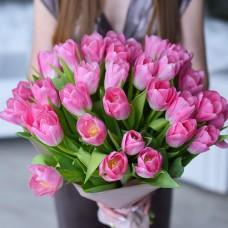35 розовых тюльпана
