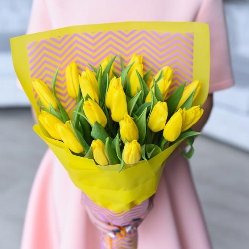 21 желтых тюльпанов